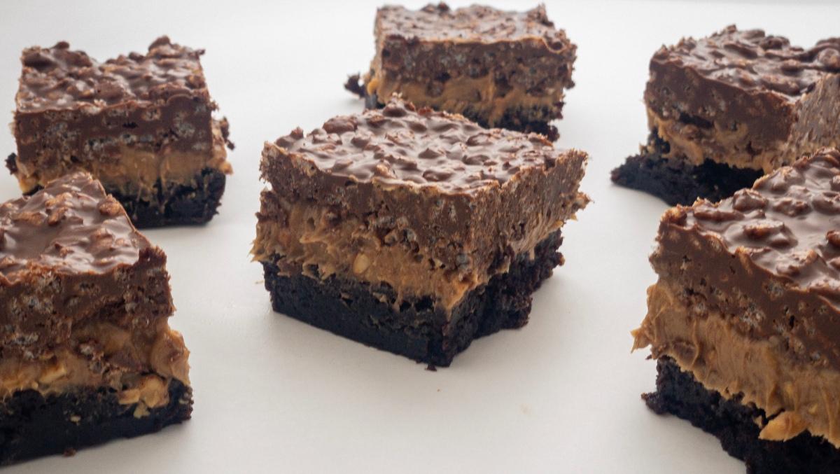 Chocolate & Peanut Butter CrispyBars